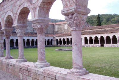 Sant Miquel de Cuixà, un dels monestirs més influents en l'Europa del segle X